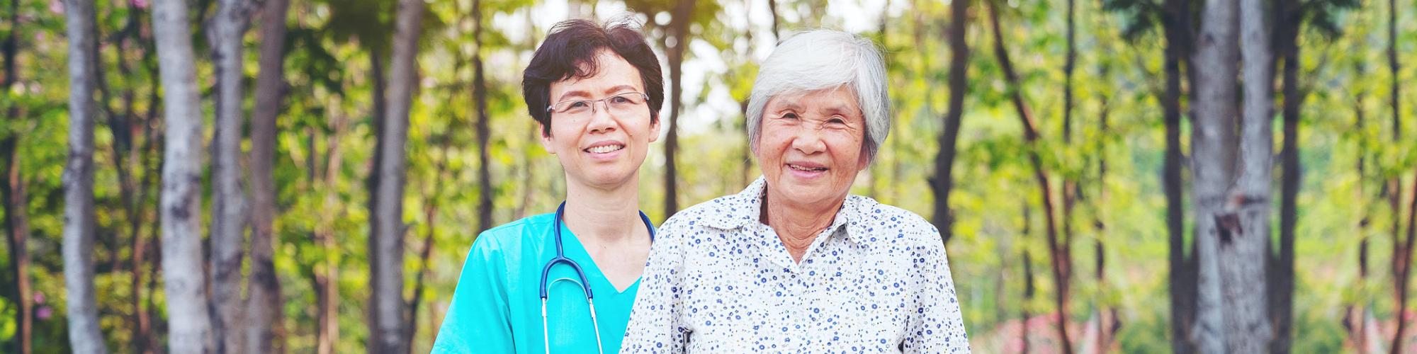 nurse with senior smiling